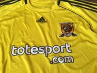 Classic Football Shirts | 2010 Hull City Vintage Old Soccer Jerseys
